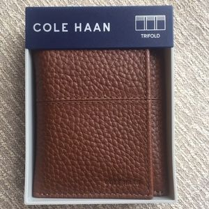 NWT Cole Haan Pebbled Trifold Leather Wallet ~ NIB